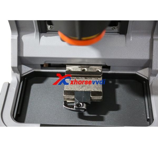 ikeycutter-condor-xc-mini-key-cutting-machine-detail-1