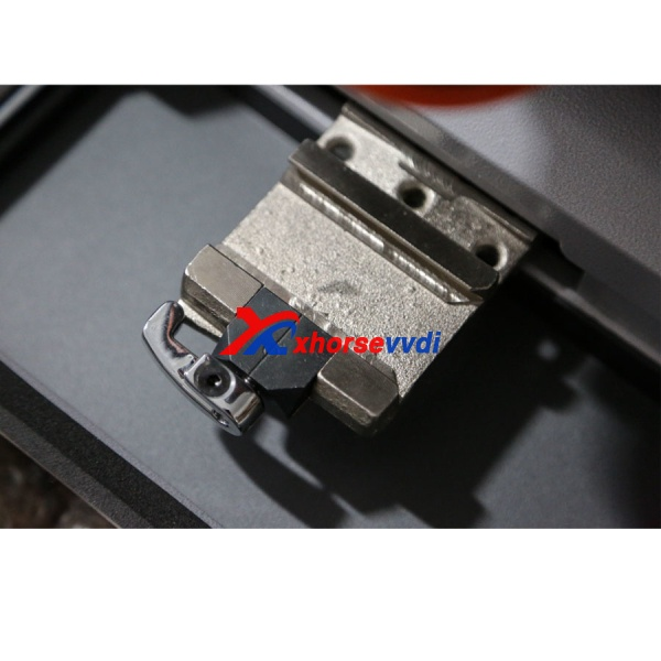 ikeycutter-condor-xc-mini-key-cutting-machine-detail-2