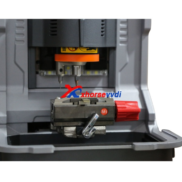 ikeycutter-condor-xc-mini-key-cutting-machine-detail-3