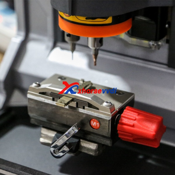 ikeycutter-condor-xc-mini-key-cutting-machine-detail-6