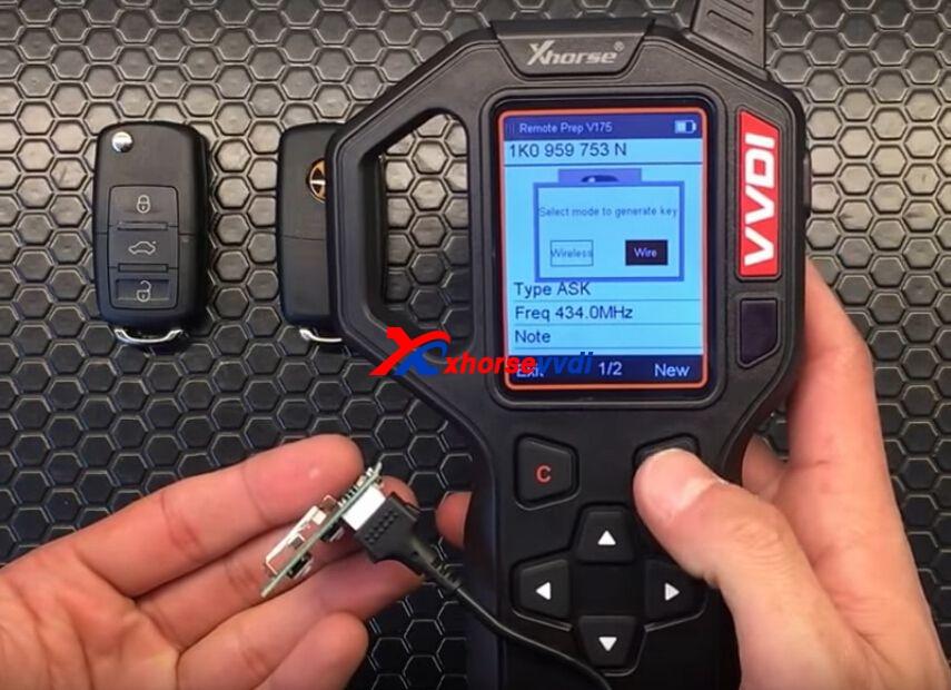 vvdi-key-tool-generate-vw-remote-key-chip-steps-9