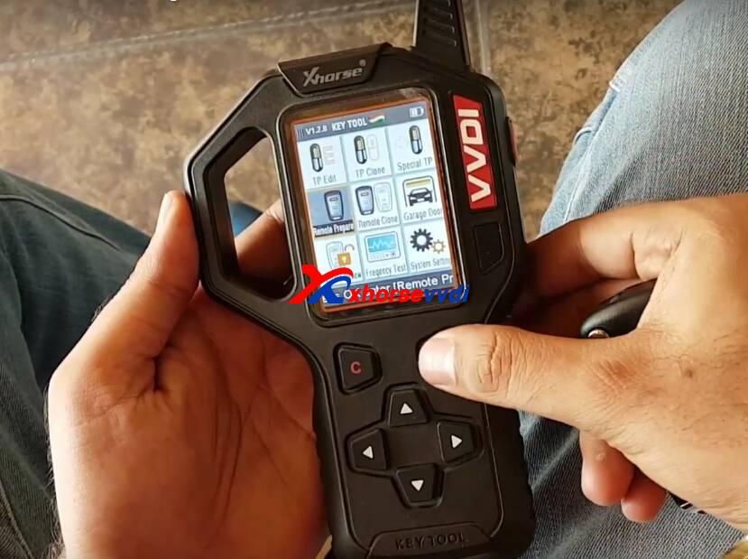 vvdi-key-tool-generate-tata-vista-remote-key-guide-2