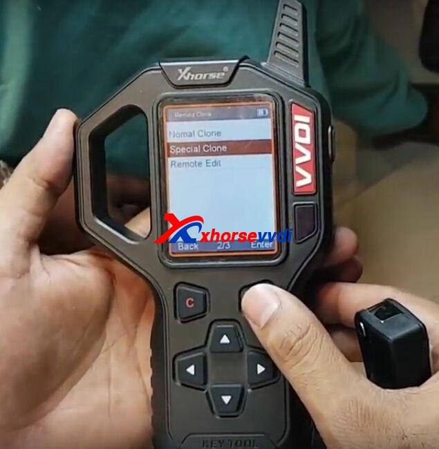 vvdi-key-tool-clone-mahindra-xuv500-remote-key-2