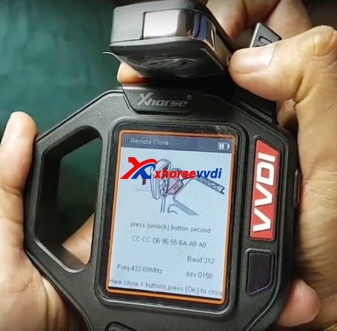 vvdi-key-tool-clone-mahindra-xuv500-remote-key-4