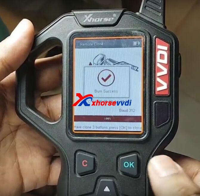 vvdi-key-tool-clone-mahindra-xuv500-remote-key-7