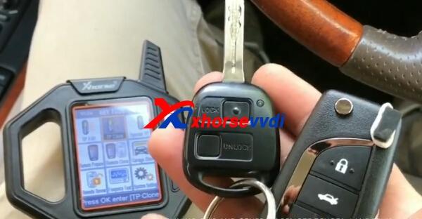 vvdi-key-tool-generate-clone-toyota-remote-1