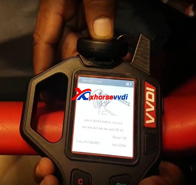 vvdi-key-tool-copy-mahindra-scorpio-remote-key-review-3