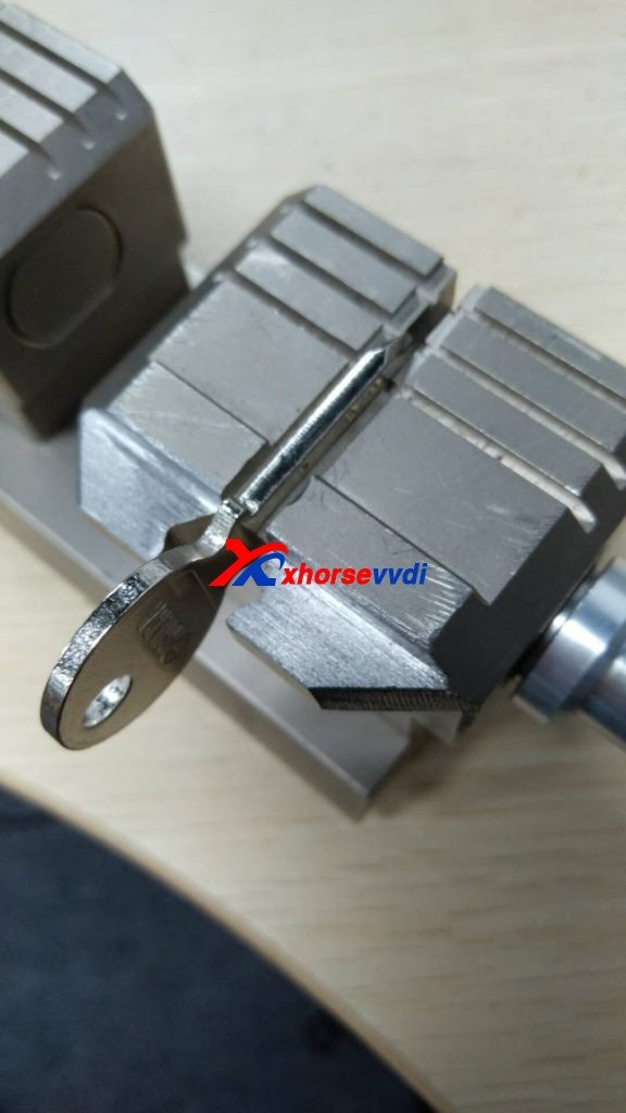 condor-xc-002-clamp-option-02-576x1024