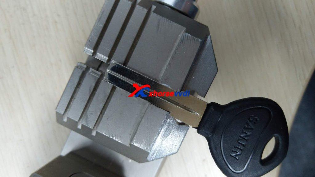 condor-xc-002-clamp-option-04-1024x576