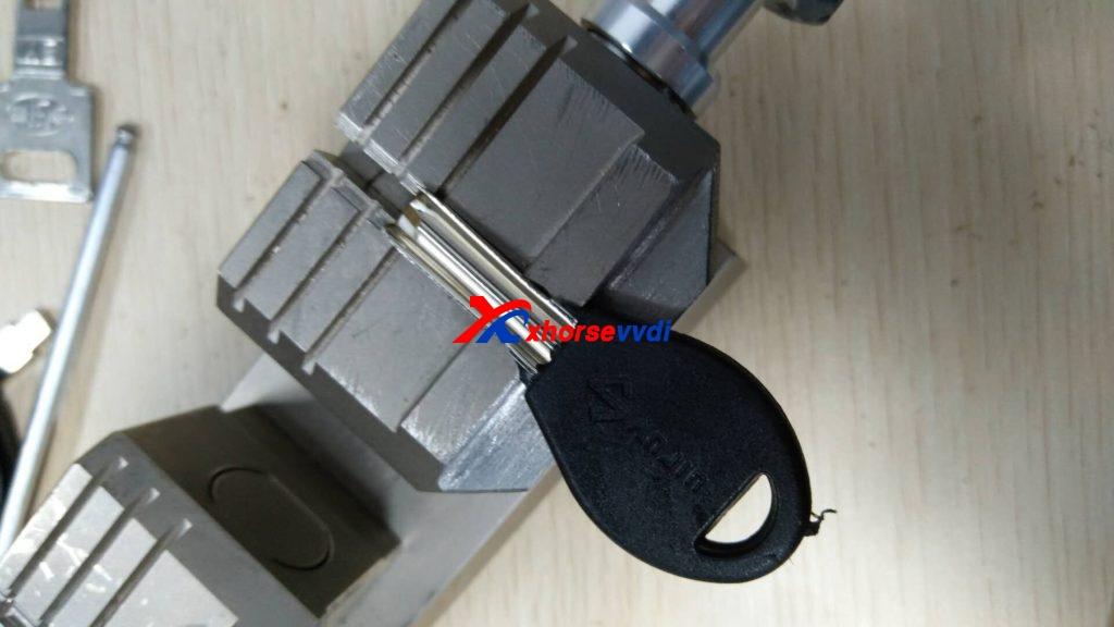 condor-xc-002-clamp-option-08-1024x576