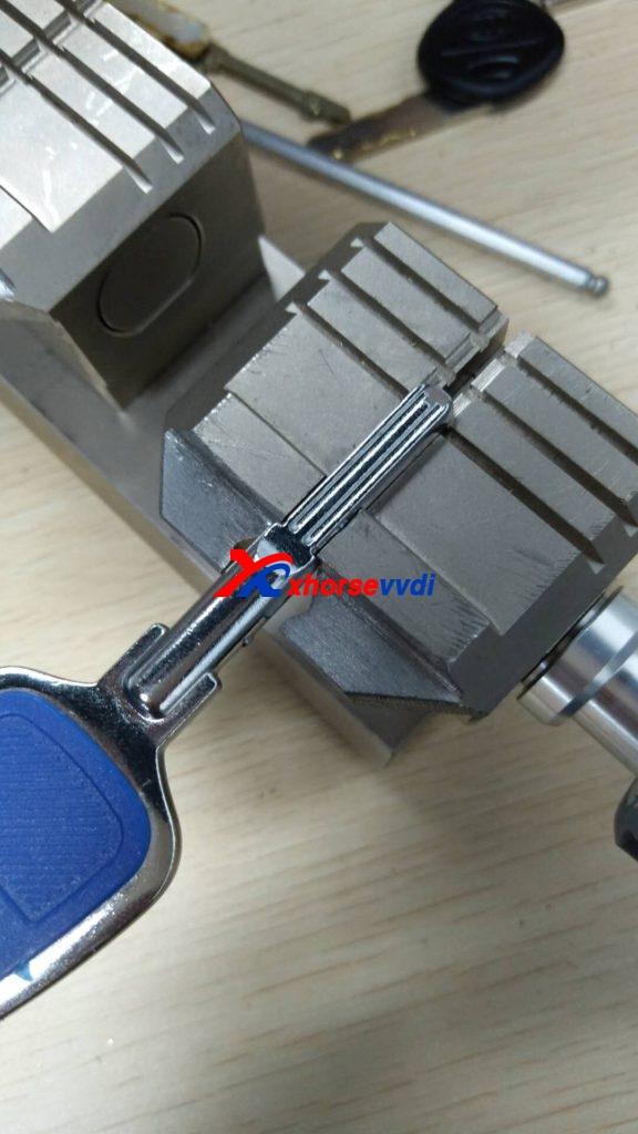 condor-xc-002-clamp-option-09-576x1024