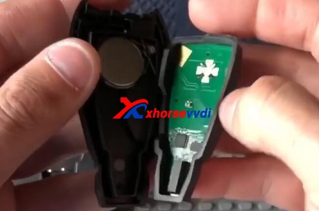 vvdi-key-tool-unlock-chrysler-oem-fobik-key-2
