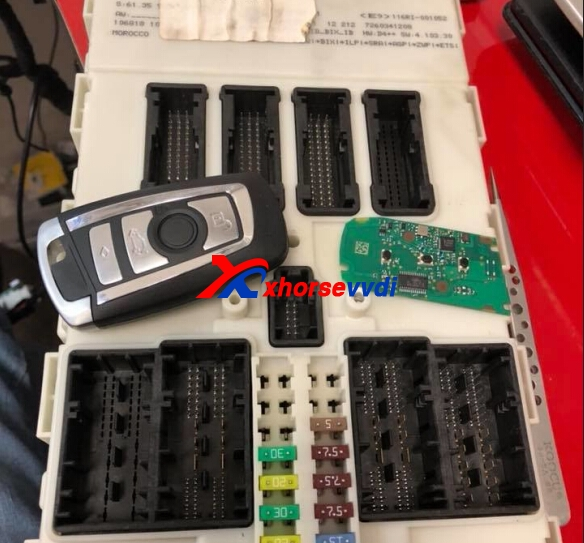 vvdi2-and-vvdi-prog-program-bmw-328i-2014-fem-dme-all-key-lost-11
