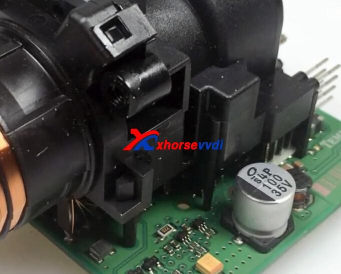 read-benz-w209-with-vvdi-prog-w209-zgw-adapter-2