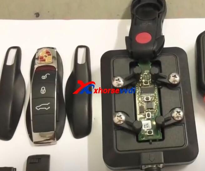 renew-porsche-cayene-key-key-with-vvdi-key-tool-and-renew-adapter-3