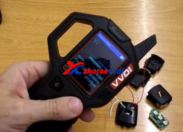vvdi-key-tool-ford-transit-remote-program-2