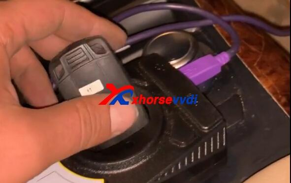 vvdi2-key-programmer-program-bmw-x5-2008-key-11