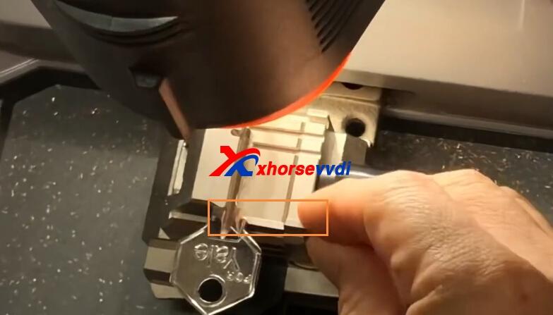 cut-ya226-key-with-condor-mini-and-m4-clamp-11