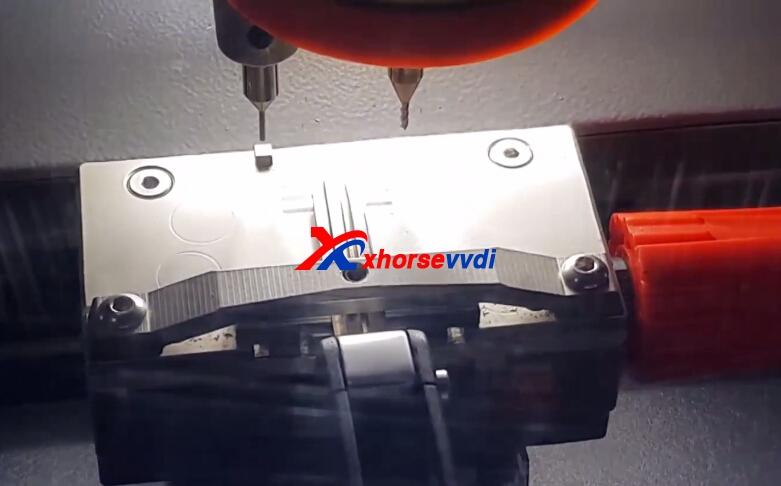 how-to-use-condor-xc-mini-plus-cut-hyundai-ix35-key-13