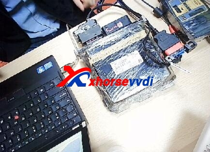 vvdi-mb-tool-renew-benz-simde-2-0-on-bench-2