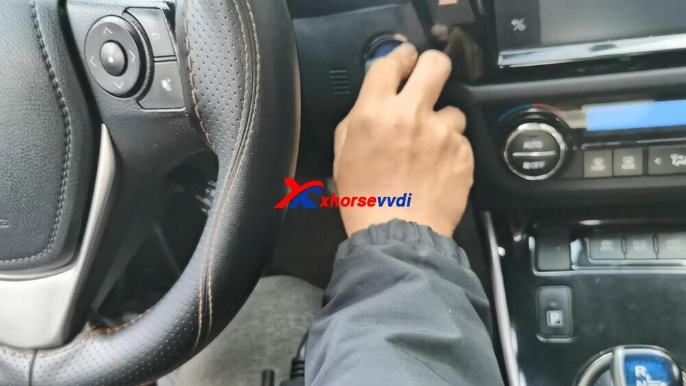 vvdi-key-tool-plus-toyota-8a-smart-key-obd-programming-07