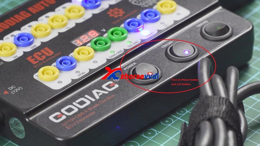 vvdi-key-tool-plus-reads-cas4-key-on-bench-with-godiag-gt100-02