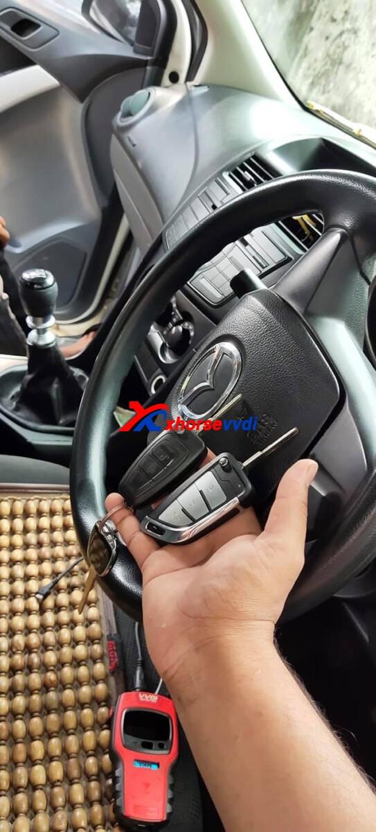 vvdi-mini-key-tool-program-mazda-bt50-key-with-wire-remote-review-2