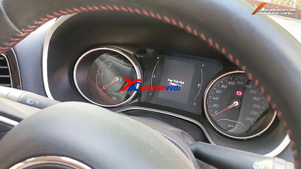 vvdi-key-tool-plus-program-jeep-compass-id4a-smart-key-02