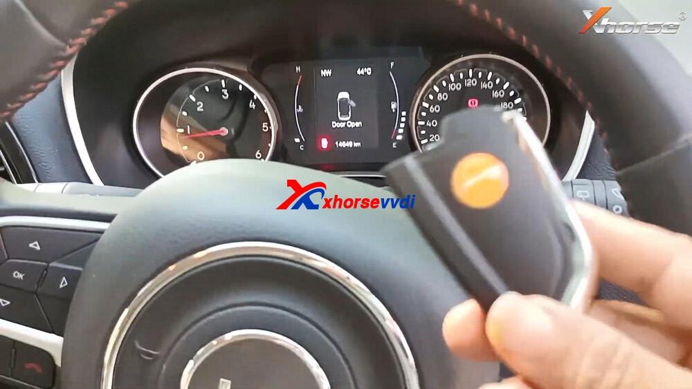 vvdi-key-tool-plus-program-jeep-compass-id4a-smart-key-18