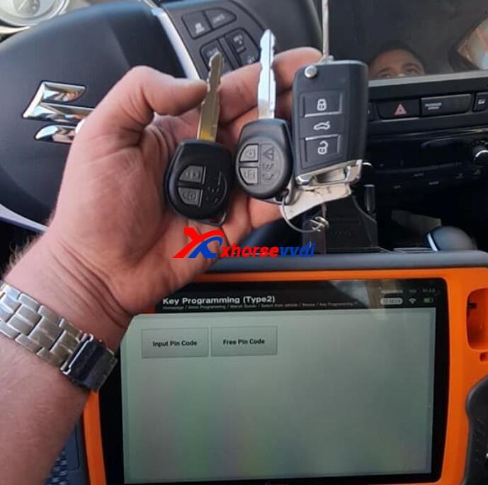 Review-VVDI-Key-Tool-Plus-2020-Suzuki-Vitara-Add-Key-1