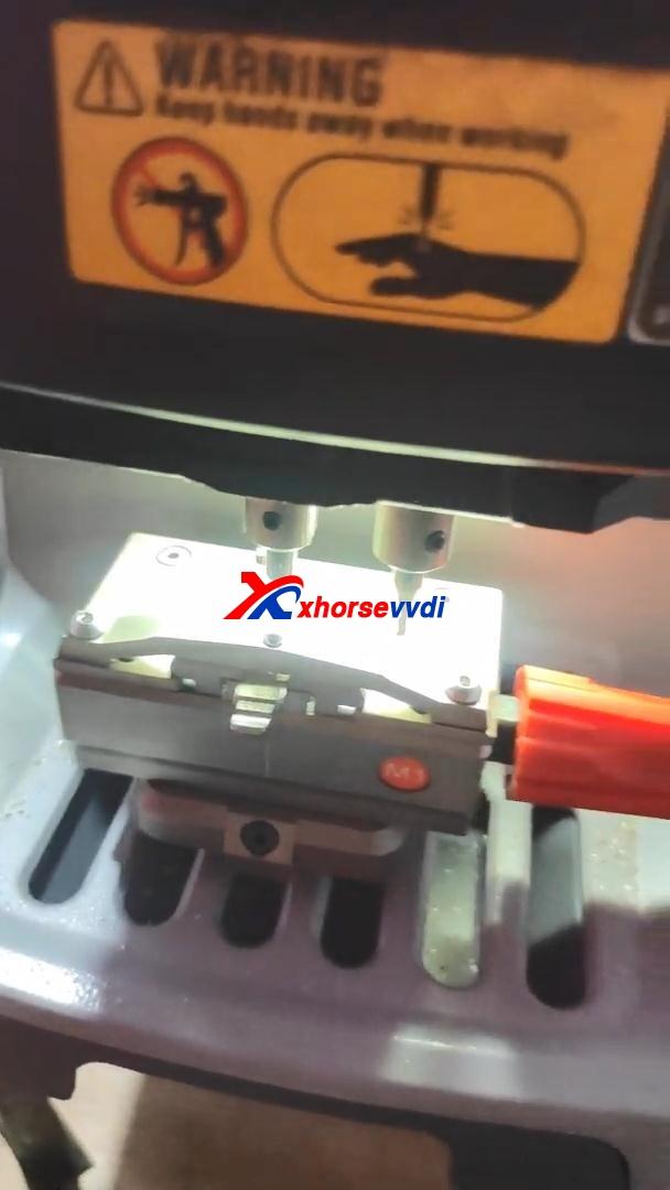 mahindra-bolero-all-key-lost-key-tool-max-06