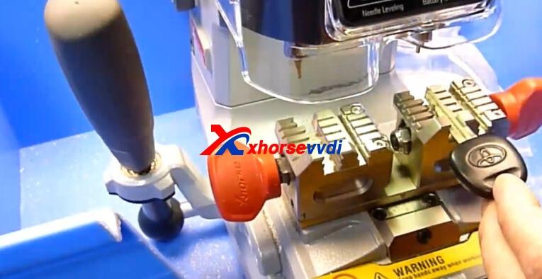 xhorse-dolphin-xp007-cut-toyota-key-4