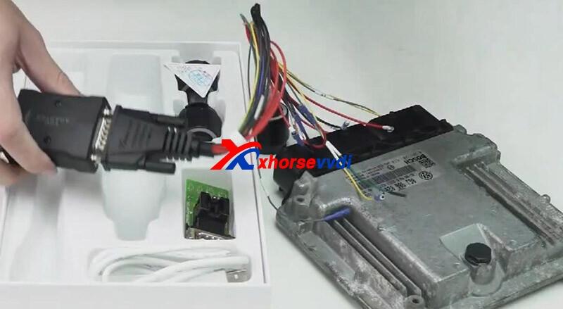 how-vvdi-mini-prog-reads-vw-med17.5.25-ecu-with-bosh-ecu-adapter-4