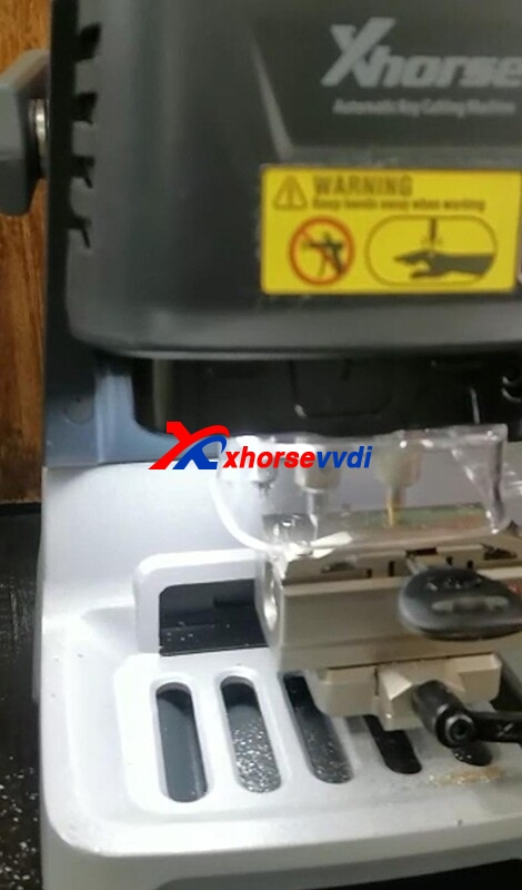 xhorse-dolphin-xp-005-noise-and-rough-key-cutting-solution-1