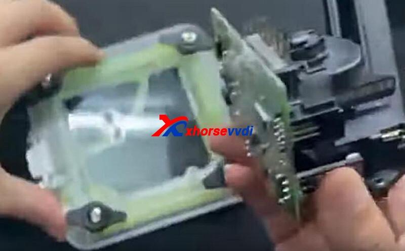 xhorse-vvdi-progezs-adapter-read-benz-w211-eis-data-solder-free-1