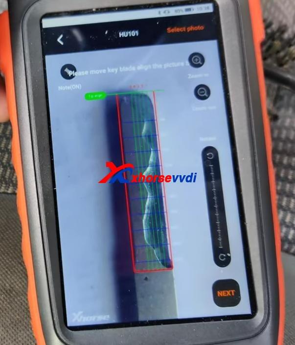 how-to-cut-aluminum-plastic-key-fob-by-xhorse-key-cutting-machine-2
